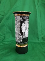 Szász Endre, Hollóházi porcelán váza