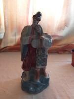 3 db porcelán szobor