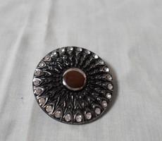 Retro bross 2. (ezüst-fekete, strasszköves medál)