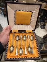 Ezüst, kiskanál garnitúra, 6 db-os, eredeti dobozában.
