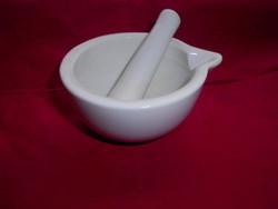 Porcelán   mozsár törővel