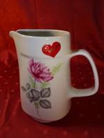 Alföldi porcelán vizes kancsó, Nőnapra készült, piros szív van rajta.
