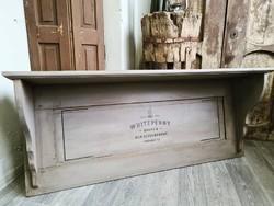Festett fali polc régi ajtóból