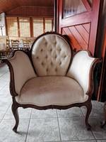 Kifinomult, elegáns, kecses és kényelmes barokk stílusú fotel
