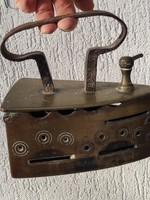 Antik Bíeder vasaló 100 évnél öregebb különleges bronz vasaló !