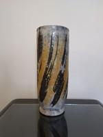Gorka Lívia tigriscsíkos váza
