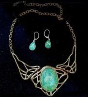 Míves ékszer szett színjátszó zöld bizsu régi szecessziós jellegű nyakék