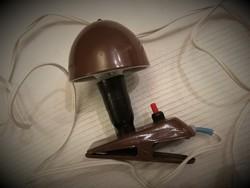 Régi, retro, barna színű Szarvasi csíptetős gomba lámpa