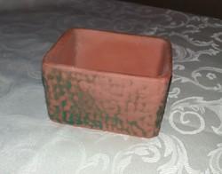 Szögletes kerámia kaspó vagy dobozka