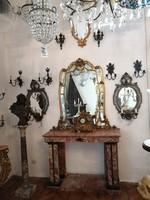 Viski János városháza. Aranyozott bronz falikar pár tükörrel. Fa keretben kézzelfestett faragott.