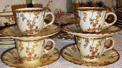 Antik Sarreguemines fajansz  csésze szettek Louis dekorral.