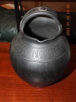Karcagi (Agyagipar) fekete cserép füles (csőrös) korsó, kancsó, váza