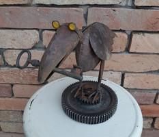 Steampunk madár, fém madár, fém szobor