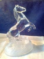 Ágaskodó kristály ló szobor