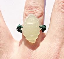 Jade kőből faragott béka, kínai gyűrű