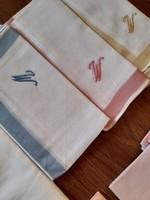 Monogramos zsebkendő csomag