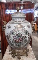 Porcelán rézzel kombinált - kosfejes váza