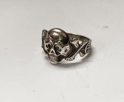 2.világháborús német halálfejes ezüst gyűrű.