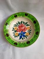 Rózsás porcelán-fajansz falitányér