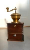 Kiváló állapotú régi kávédaráló