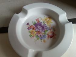 Zsolnay   porcelán hamuzó