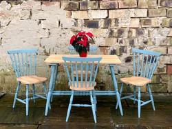 Vintage étkezőasztal, székek