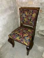 Karpitozott székek