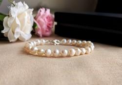 Fehér tenyésztett gyöngy karkötő - Csomózott édesvízi gyöngy karlánc ajándékdobozban 925 ezüst