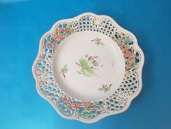 Herendi áttört tányér, csipkebogyó mintával