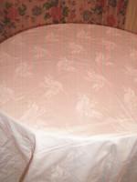 Gyönyörű fehér gyöngyvirágos damaszt ágyneműgarnitúra