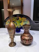 Cizellált szép díszes réz váza párban