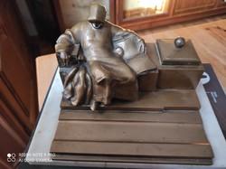 Patinás Anonymus szoborral kalamáris, tintatartó