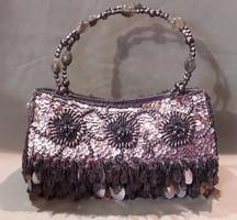 Ezüstszürke színű alkalmi táska, retikül