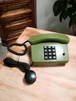 Nyomógombos zöld telefon,retro