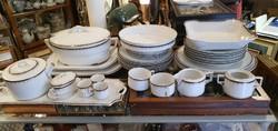 Porcelán étkészlet, 31 darabos, tálaláshoz, ajándéknak kiváló.