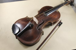 Antik mesterhegedű 230