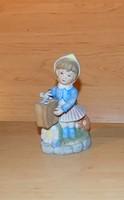 Capodimonte porcelán Hummel jellegű madarat etető kislány figura 11 cm (po-3)