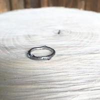 SAPI ezüst faág gyűrű zöld gránáttal