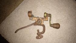 2 db régi fegyver, lőszer töltő