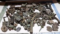 Római fibulusok, pénzek és más régiségek római egyveleg egyben 45000