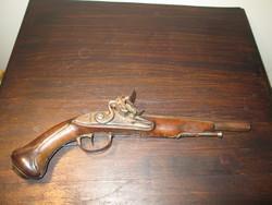 Francia kovás, utazó pisztoly 1.