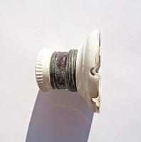 Antik villanykörte foglalat, porcelán és réz
