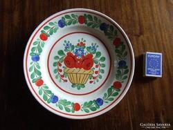 Régi virágmintás, népi, népművészeti magyaros díszítésű tányér, fali dísztányér-kézzel festett