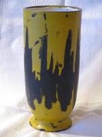 Különlegesen szép Gorka Lívia  kerámia vázája 21 cm magas alján jelzett.
