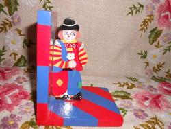 Kézzel festett fa könyvtámasz gyerekszobába.