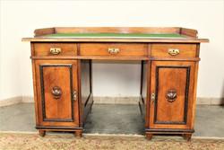 A130 Antik ónémet íróasztal