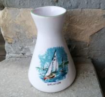 Bodrogkeresztúri emlék váza Balaton felirattal, vitorlással