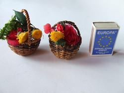 Babaház dekoráció-mini, miniatűr virágos kosár, virágkoság, porcelán baba kellék