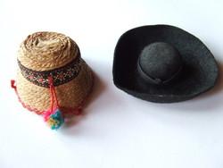 Régi picike, mini baba kalapok viseleti babákhoz egyben-az egyik hortobágyi csikóskalap