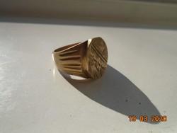 14 KT és 535 jelzésekkel hamis arany réz pecsét gyűrű.